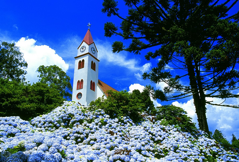 Gramado & Canela Convention & Visitors Bureau - Canela e Gramado Religioso